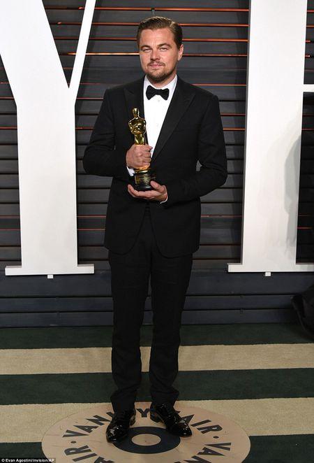Leonardo DiCaprio mo tiec rieng mung Oscar cung Ben Affleck - Anh 2