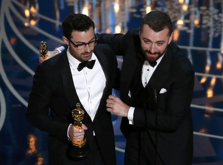 Sam Smith thua nhan minh hat te hai tai Oscar - Anh 3