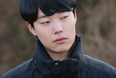 2 nam phu 'cuop' dat dien cua nam chinh trong phim Han - Anh 2