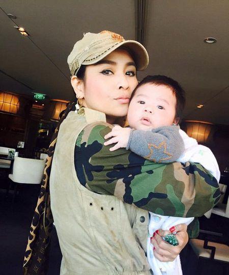 Lo anh can canh con trai Tung Duong sieu dang yeu - Anh 1
