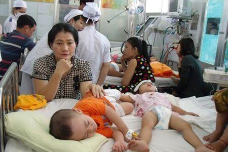 TP.Ho Chi Minh: Benh tay chan mieng ruc rich gia tang - Anh 1