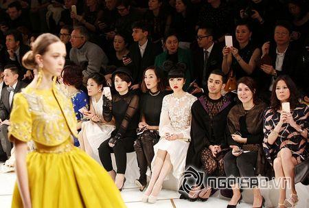 Jessica Minh Anh ngoi hang VIP tai Paris Fashion Week - Anh 2