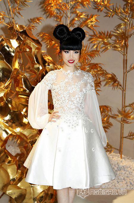 Jessica Minh Anh ngoi hang VIP tai Paris Fashion Week - Anh 6