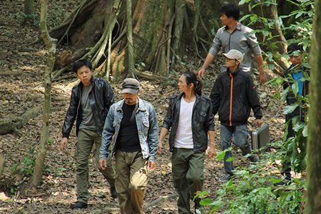 Ngoc Lan lai vuong 'tinh tay ba' voi Huy Khanh - Anh 8