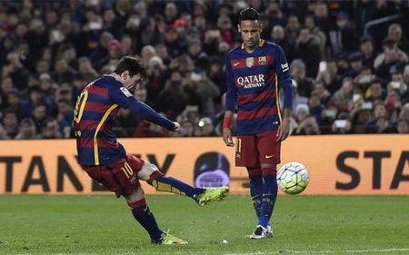"Nguyen tac vat li ""giup"" Messi sut phat hoan hao - Anh 1"