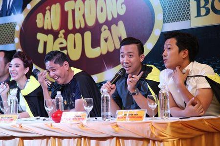 Tran Thanh bi 'len an' khong co tam khi tinh thu lao kem cap hoc tro - Anh 1