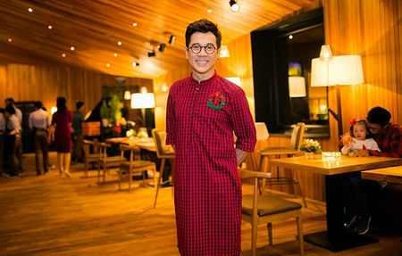 NSUT Thanh Loc ke chuyen 'khong the giai thich noi' trong gia dinh - Anh 5