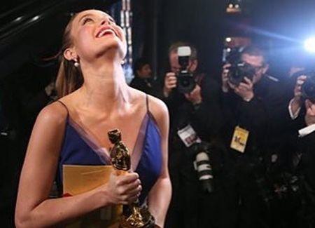 Doan phim 'King Kong' tu Viet Nam mung Brie Larson gianh Oscar - Anh 1