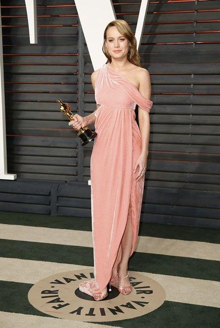 Dan my nhan Hollywood dien vay khoe than o tiec hau Oscar - Anh 11