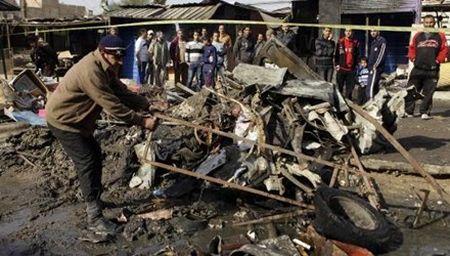 IS danh bom tu sat trong dam tang o Iraq, 40 nguoi chet - Anh 1