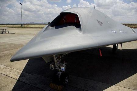 Kham pha suc manh UAV tan cong Neuron cua chau Au - Anh 4