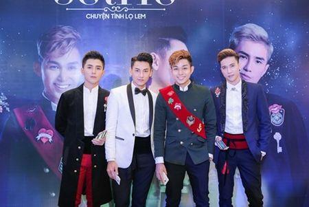 "Nhom 365 ra mat MV ve chuyen tinh voi ""Lo Lem"" thoi hien dai - Anh 1"