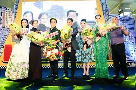 "Angela Phuong Trinh ""lan at"" Nha Phuong - Truong Giang tren tham do - Anh 14"