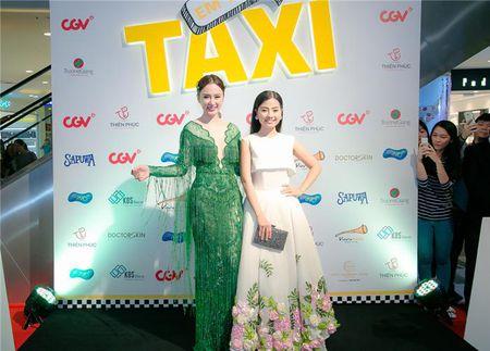 "Angela Phuong Trinh ""lan at"" Nha Phuong - Truong Giang tren tham do - Anh 6"