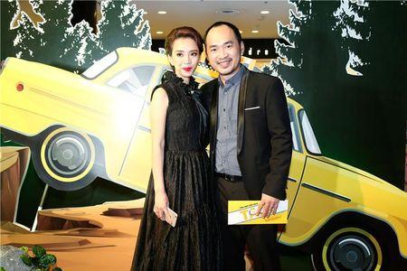 "Angela Phuong Trinh ""lan at"" Nha Phuong - Truong Giang tren tham do - Anh 8"