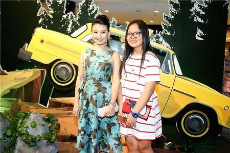 "Angela Phuong Trinh ""lan at"" Nha Phuong - Truong Giang tren tham do - Anh 9"