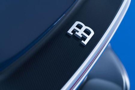 Bugatti Chiron - dong co W16, 1.500 ma luc, 500km/h, 2,7 trieu USD - Anh 12
