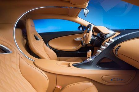 Bugatti Chiron - dong co W16, 1.500 ma luc, 500km/h, 2,7 trieu USD - Anh 14