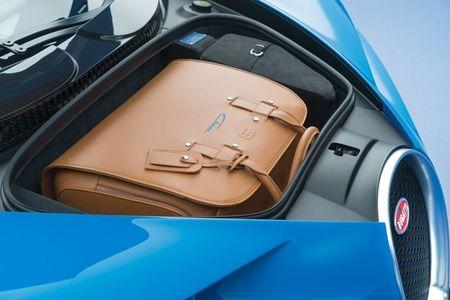 Bugatti Chiron - dong co W16, 1.500 ma luc, 500km/h, 2,7 trieu USD - Anh 23