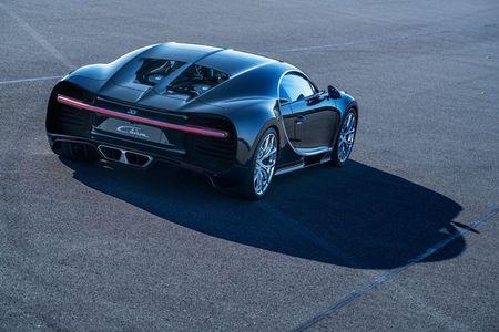 Bugatti Chiron - dong co W16, 1.500 ma luc, 500km/h, 2,7 trieu USD - Anh 24