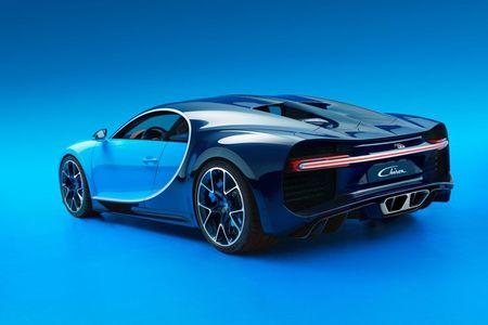 Bugatti Chiron - dong co W16, 1.500 ma luc, 500km/h, 2,7 trieu USD - Anh 9