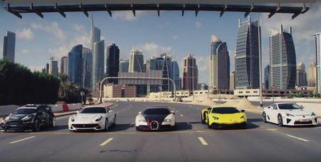 Ken Block drift sieu dang dai nao Dubai trong Gymkhana Eight - Anh 5