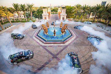 Ken Block drift sieu dang dai nao Dubai trong Gymkhana Eight - Anh 7