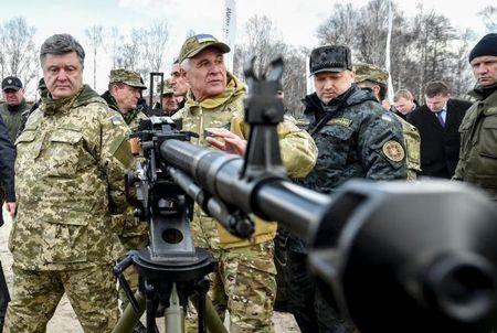 "Ukraine: Nga cuop Crimea, phai ""ren quan"" doat lai - Anh 1"