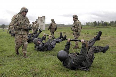 "Ukraine: Nga cuop Crimea, phai ""ren quan"" doat lai - Anh 3"