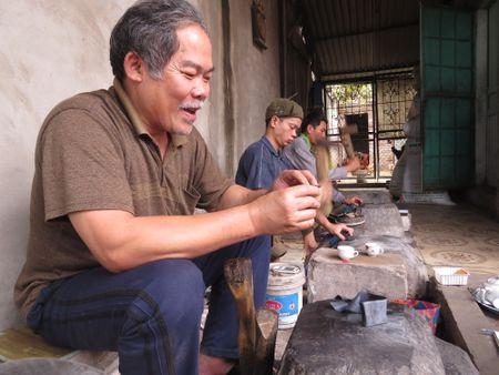 Nguoi 'dap vang' can man cua lang Kieu Ky - Anh 1