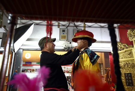 Chi so PMI to dam su giam toc cua kinh te Trung Quoc - Anh 1