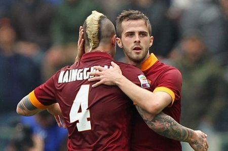 Conte muon dua bo doi tien ve cua Roma ve Chelsea - Anh 1