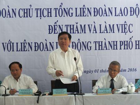 Bi thu Dinh La Thang: 'Khong hieu phap luat lam sao bao ve nguoi lao dong' - Anh 1