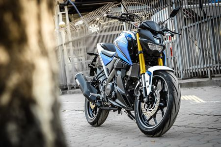 Chi tiet xe con tay Yamaha 150 phan khoi moi ve Ha Noi - Anh 15
