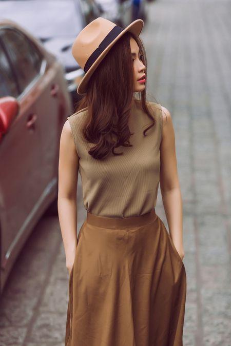 Street style giao mua thanh lich cua A hau Diem Trang - Anh 3