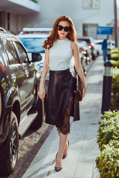 Street style giao mua thanh lich cua A hau Diem Trang - Anh 7