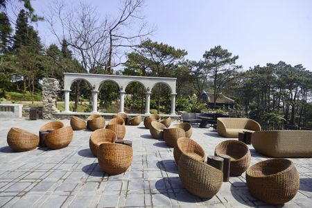 Toan canh resort hoanh trang khong phep o Ba Vi - Anh 10