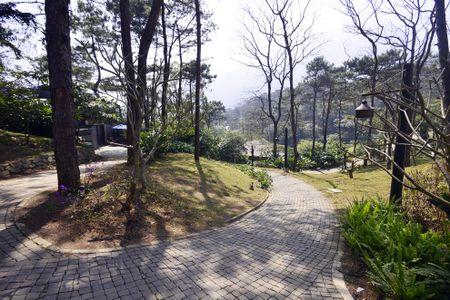 Toan canh resort hoanh trang khong phep o Ba Vi - Anh 4