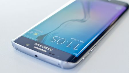 Galaxy S7 ra mat, S6 tien nhiem ha gia den 6 trieu dong - Anh 2