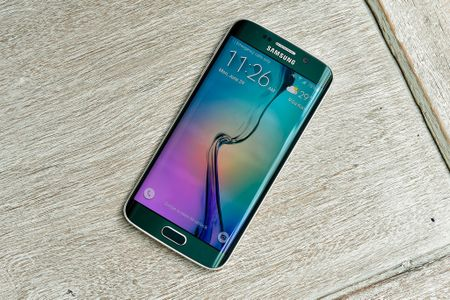 Galaxy S7 ra mat, S6 tien nhiem ha gia den 6 trieu dong - Anh 3