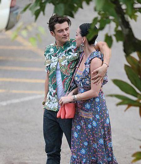 Nhin lai tinh truong cua Katy Perry - Anh 2