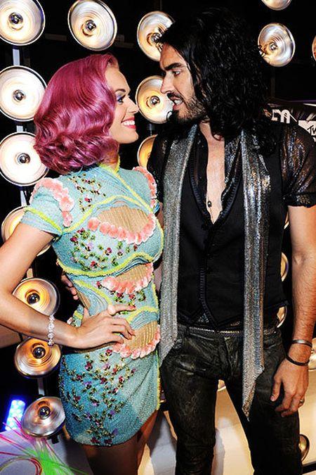Nhin lai tinh truong cua Katy Perry - Anh 6