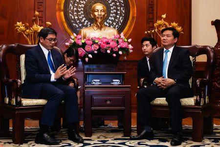 Dai su Singapore tai VN: 'Ong Thang la nguoi thuc thoi' - Anh 1