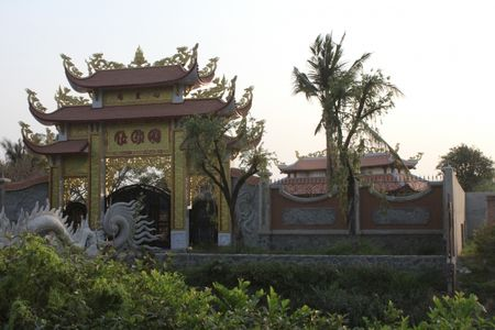 Can canh nha tho to danh hai Hoai Linh bi dung thi cong - Anh 5