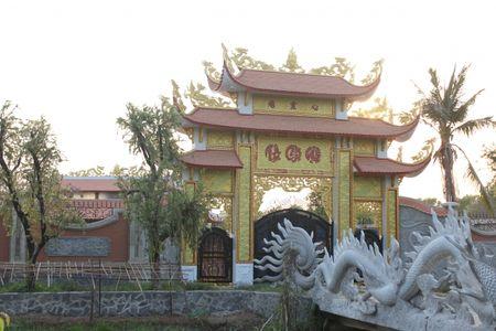 Can canh nha tho to danh hai Hoai Linh bi dung thi cong - Anh 6