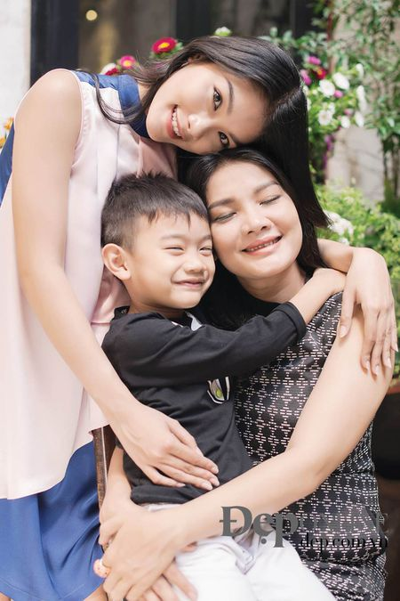 Kieu Trinh - Thanh Tu: Me va con va… nhung vet bam - Anh 6