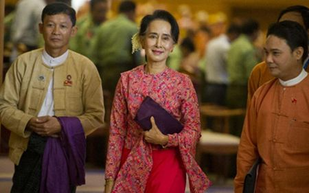 Hy vong tro thanh Tong thong Myanmar cua ba Aung San Suu Kyi voi dan - Anh 1
