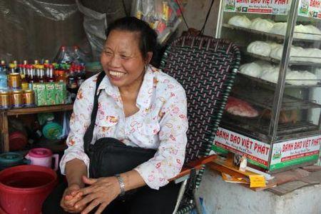 Lao ba 62 lang tham phan luong giao thong giua Ha Noi - Anh 1
