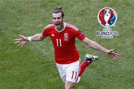 'Xe luoi' Slovakia, Gareth Bale lap nen 2 ky luc - Anh 1