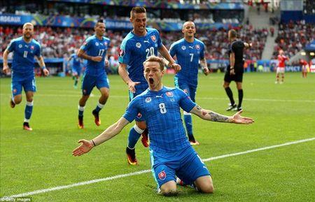 Gareth Bale toa sang, xu Wales thang tran dau tien tai Euro - Anh 4